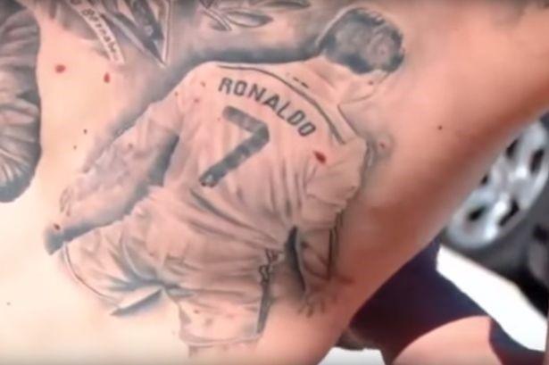 Fan cuong Ronaldo xam hinh than tuong hinh anh