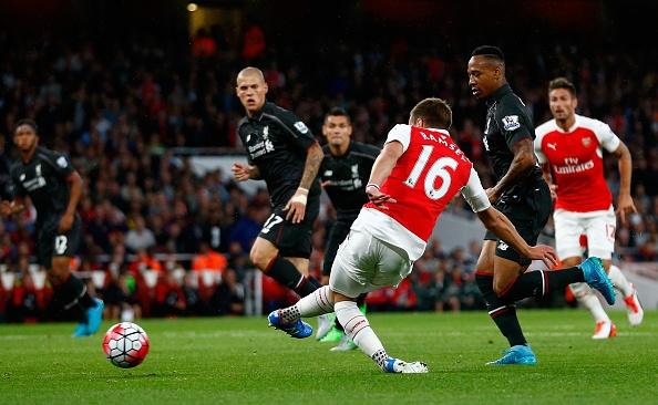 Arsenal 0-0 Liverpool: Tran dau cua Petr Cech va Mignolet hinh anh