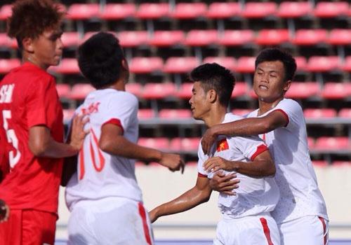 Thang Singapore 6-0, U19 Viet Nam len ngoi dau hinh anh