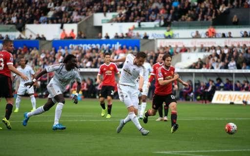 Swansea 2-1 M.U: 'Quy do' thua nguoc hinh anh 18