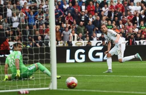 Swansea 2-1 M.U: 'Quy do' thua nguoc hinh anh 19