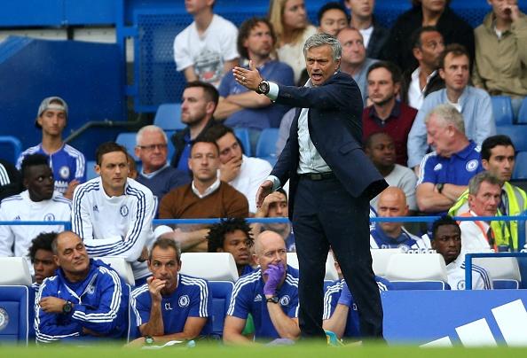 Mourinho do loi cho trong tai khien Chelsea thua tran hinh anh