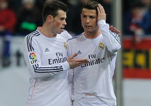 Van Gaal chua tu bo ke hoach dua Bale, Ronaldo ve M.U hinh anh