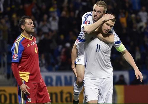 Dzeko ghi ban giup DT Bosnia thang 3-0 truoc Andorra hinh anh