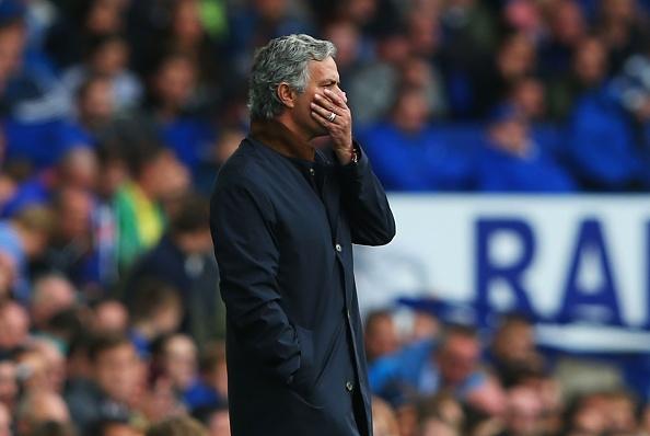 Everton 3-1 Chelsea: Thay tro Mourinho roi vao khung hoang hinh anh