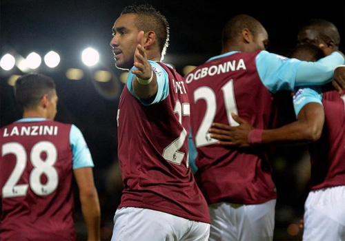West Ham ap sat MU, Arsenal sau khi thang Newcastle 2-0 hinh anh