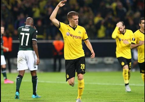 Dortmund gianh chien thang nguoc 2-1 o Europa League hinh anh
