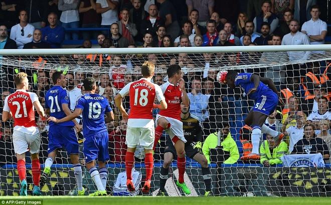 Arsenal guc nga trong tran dai chien voi Chelsea hinh anh 10