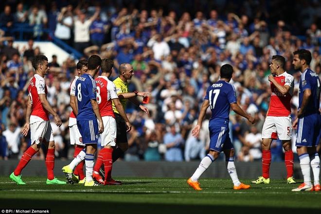 Arsenal guc nga trong tran dai chien voi Chelsea hinh anh 9
