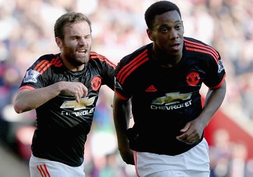 Martial lap cu dup dua MU len vi tri thu 2 Premier League hinh anh