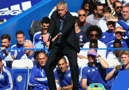 Jose Mourinho choc tuc Arsene Wenger hinh anh