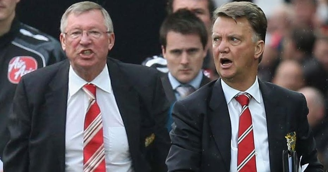 Sir Alex Ferguson chua bao gio muon Van Gaal dan dat MU hinh anh