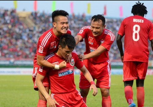 Thang Ha Noi T&T 4-2, Binh Duong doat Cup quoc gia hinh anh 1