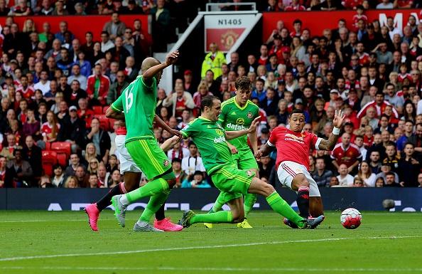 MU 3-0 Sunderland: 'Quy do' len ngoi dau bang hinh anh 17