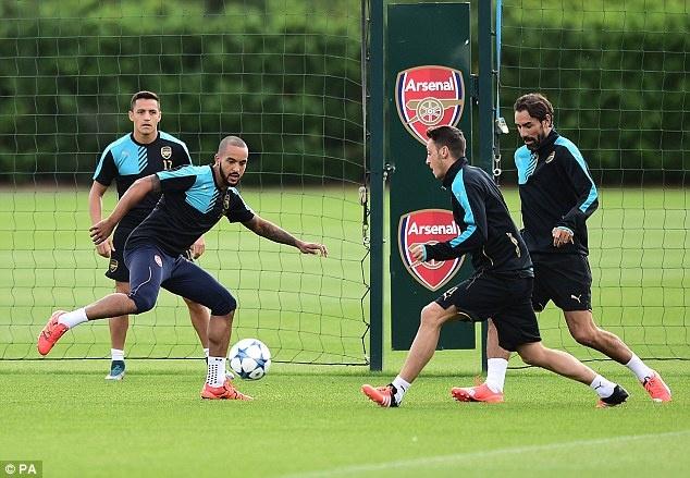 Arsene Wenger tuyen bo Arsenal phai thang Olympiacos hinh anh 3