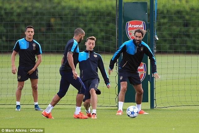 Arsene Wenger tuyen bo Arsenal phai thang Olympiacos hinh anh 2