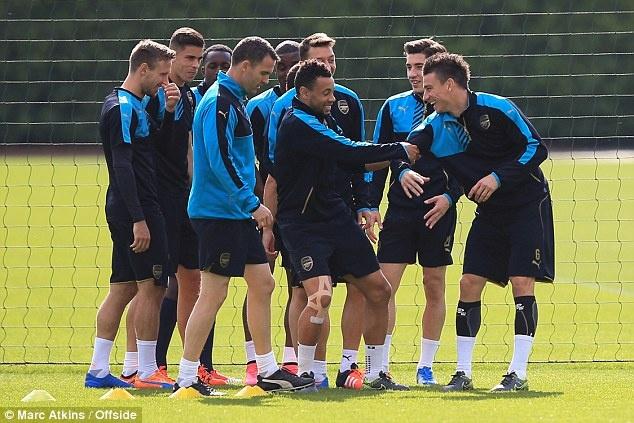 Arsene Wenger tuyen bo Arsenal phai thang Olympiacos hinh anh 5