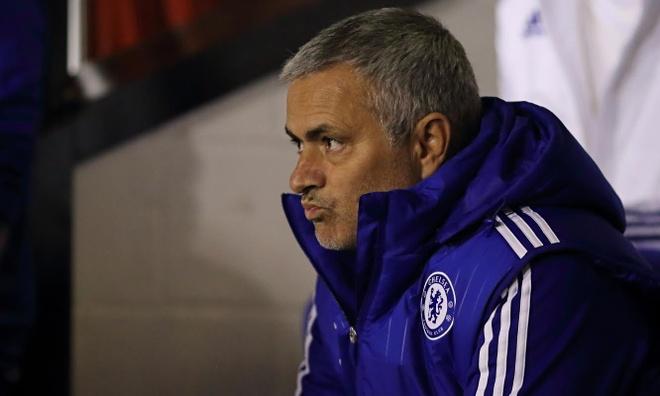 De cuu minh, Jose Mourinho phai lam gi? hinh anh 1