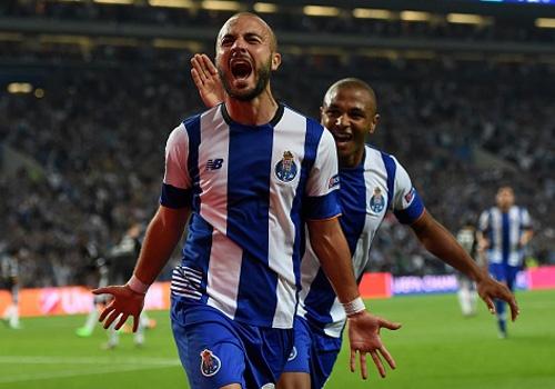 Porto 2-1 Chelsea: Mourinho that bai khi tro ve que nha hinh anh