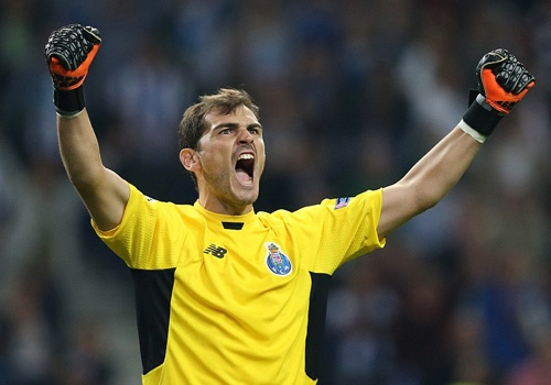 Casillas lap ky luc trong ngay danh bai Chelsea hinh anh