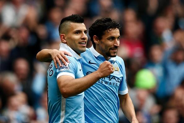 Aguero ghi 5 ban dua Man City len ngoi dau bang hinh anh