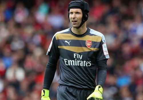 Diem tin: Petr Cech tuyen bo khong de Martial ghi ban hinh anh