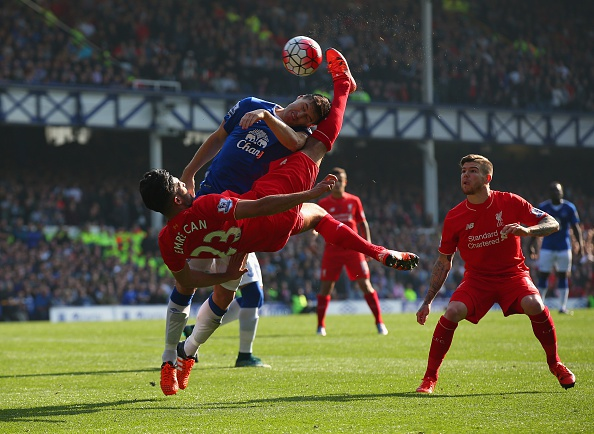 Everton 1-1 Liverpool: Rodgers doi dien giong bao hinh anh 17