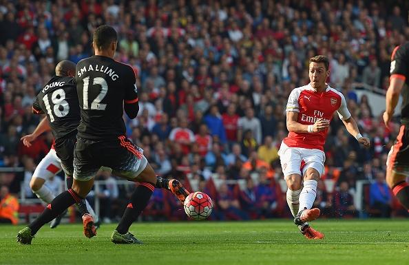 Sanchez, Oezil ghi ban giup Arsenal thang MU 3-0 hinh anh 16