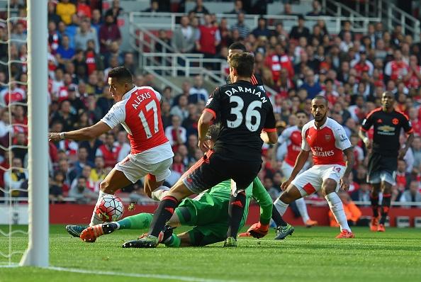 Sanchez, Oezil ghi ban giup Arsenal thang MU 3-0 hinh anh 14