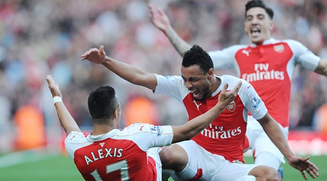 Sanchez, Oezil ghi ban giup Arsenal thang MU 3-0 hinh anh