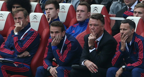 Van Gaal hoang mang khi MU thua Arsenal hinh anh 1