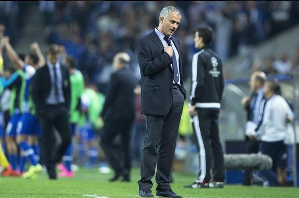 Capello che Mourinho pha hong Chelsea sau 18 thang hinh anh 1