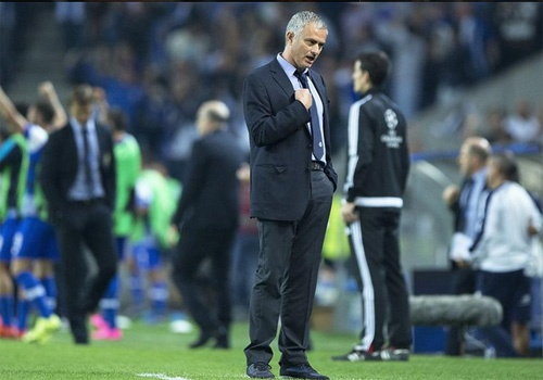 Capello che Mourinho pha hong Chelsea sau 18 thang hinh anh