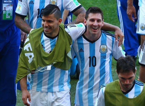 Aguero thay the Messi khoac ao so 10 o tuyen Argentina hinh anh 1