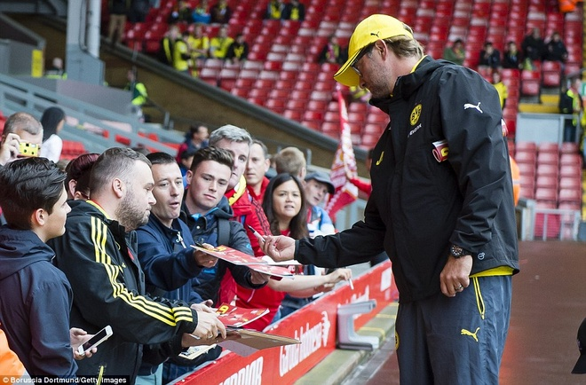 Fan Liverpool chao don Klopp nong nhiet o Anfield nam 2014 hinh anh 2