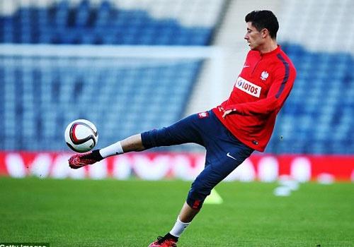 Lewandowski - chan sut hay nhat vong loai EURO 2016 hinh anh