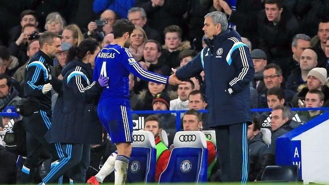 Fabregas: 'Mourinho la huan luyen vien gioi nhat o Chelsea' hinh anh 1