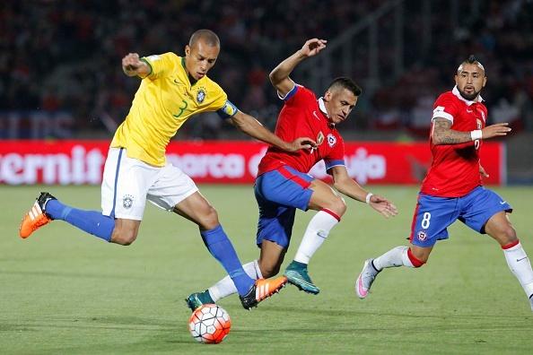 Alexis Sanchez ghi ban giup Chile thang Brazil 2-0 hinh anh 1