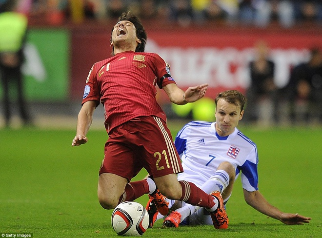 Thang 4-0, DT Tay Ban Nha vuot qua vong loai EURO 2016 hinh anh 1