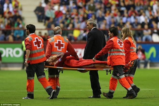 Thang 4-0, DT Tay Ban Nha vuot qua vong loai EURO 2016 hinh anh 4