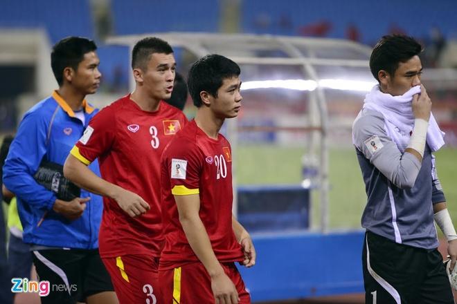 Tuyen Viet Nam buon ba sau that bai 0-3 truoc Thai Lan hinh anh 8