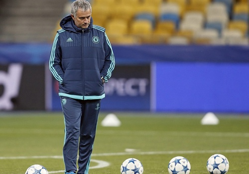 Jose Mourinho: 'Toi khong co suc manh va co doc' hinh anh
