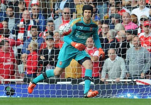 Petr Cech sap pha ky luc o Premier League hinh anh