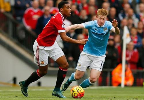 MU thay anh sang sau tran derby Manchester hinh anh