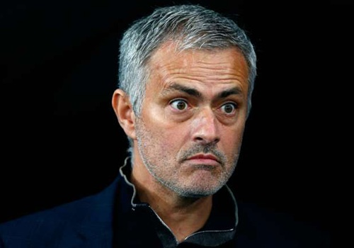 Hoc tro len tieng ung ho Jose Mourinho hinh anh