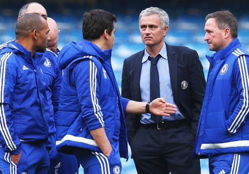 Jose Mourinho con 2 tran de cuu su nghiep o Chelsea hinh anh