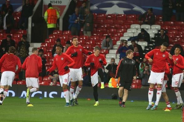Rooney giup MU dan dau bang B Champions League hinh anh 10