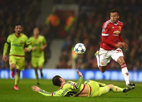 Rooney giup MU dan dau bang B Champions League hinh anh 14