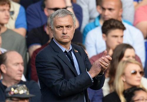 Chelsea tu choi nhuong lai Mourinho voi gia 50 trieu euro hinh anh