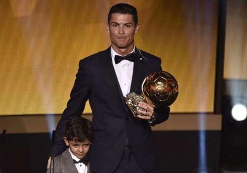 Ronaldo khong phan doi y kien bo Qua bong vang cua Wenger hinh anh